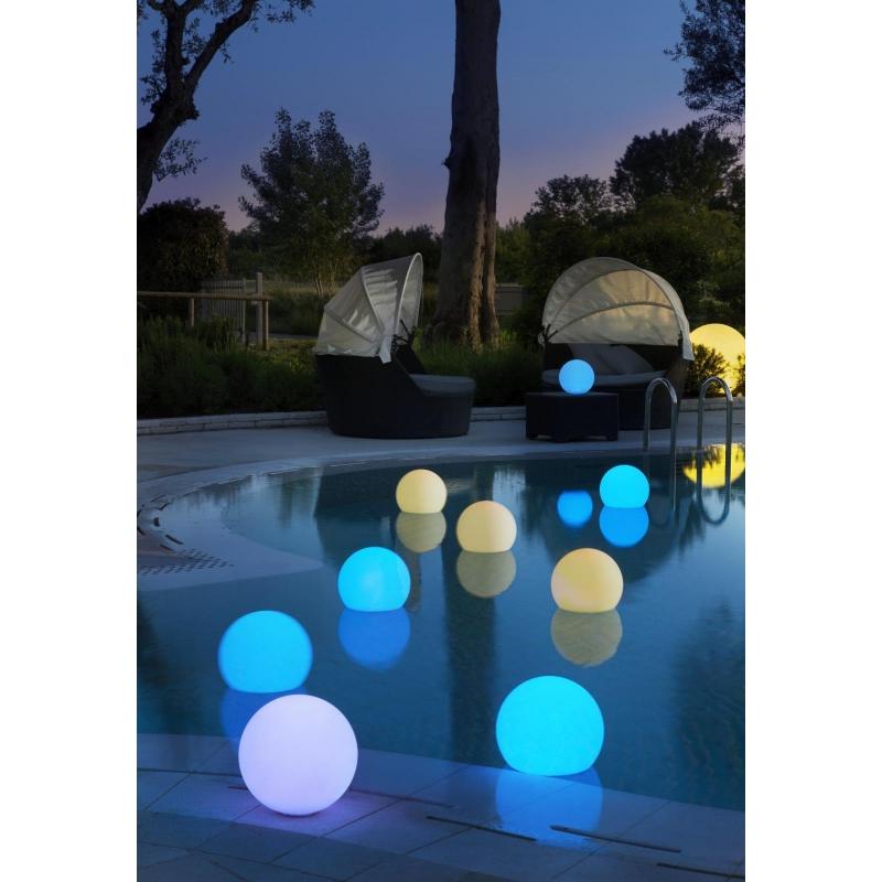 led outdoor schwimmkugel oh swim. Black Bedroom Furniture Sets. Home Design Ideas
